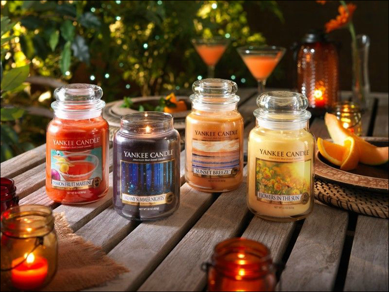 Yankee Candle's Warm Summer Nights Collection